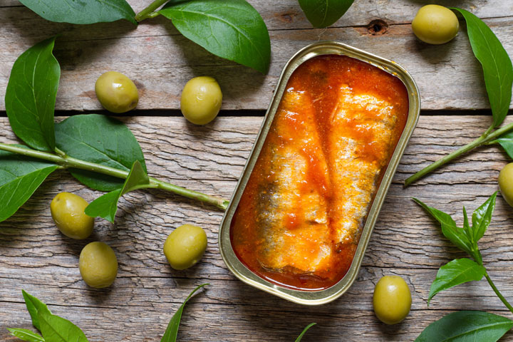 Canned Sardine with Olive Oil and Tomato Sauce