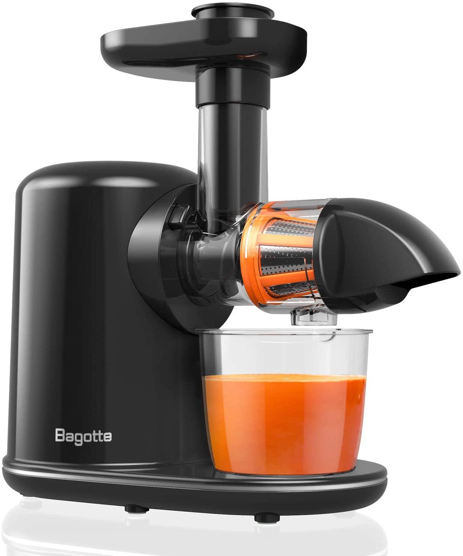 Masticating juicer machine